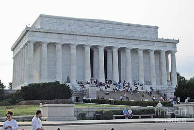 Art Print featuring the photograph Lincoln Memorial 2 by Tom Doud