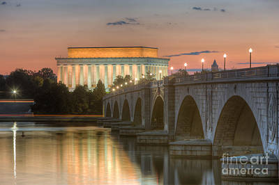 Lincoln Memorial And Arlington Memorial Bridge At Dawn I Art Print
