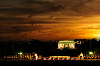 Photograph - Lincoln Memorial At Sunset by Celso Diniz