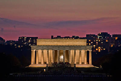 Photograph - Lincoln Memorial At Sunset by John McGraw