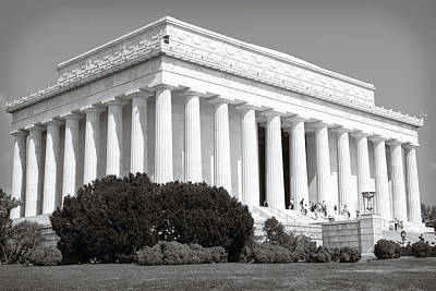 Photograph - Lincoln Memorial by Sennie Pierson