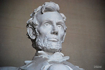 Photograph - Lincoln's Statue by Teresa Blanton