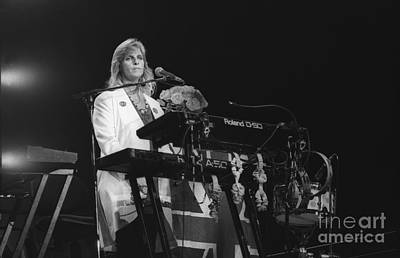Paul Mccartney Photograph - Linda Mccartney by Concert Photos