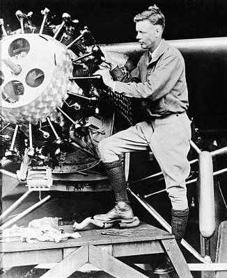 Lindbergh Photograph - Lindbergh Tunes Up Plane by Underwood Archives