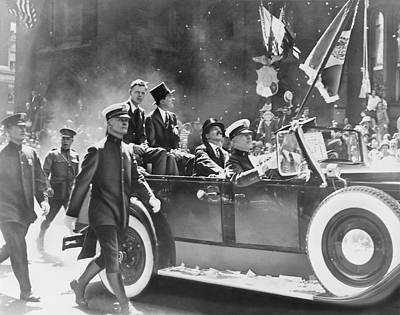 Whalen Photograph - Lindbergh's Ticker-tape Parade, 1927 by Science Photo Library