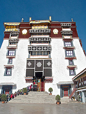 The Dalai Lama Photograph - Line Of Pilgrims And Tourists Entering Former Living Quarters Of Dalai Lama In Potala Palace-tibet by Ruth Hager
