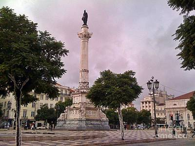Photograph - Lisboa 2010-123 by Rezzan Erguvan-Onal