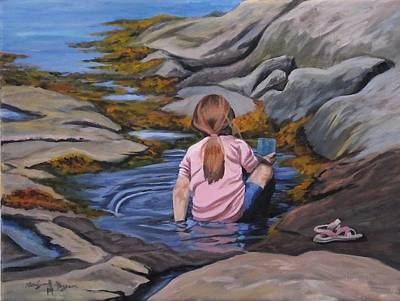Little Girl On Beach Painting - Little Girl Playing by Roslyn Morgan