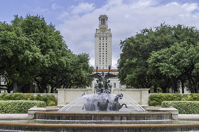 Photograph - Littlefield Fountain On Ut Austin Campus by Karen Stephenson