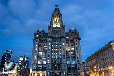 Liver Building At Night Art Print