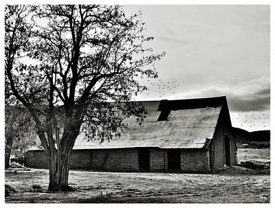 Photograph - Living In The Past by Glenn McCarthy