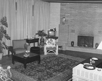 Living Room With A Tv Print by Underwood Archives