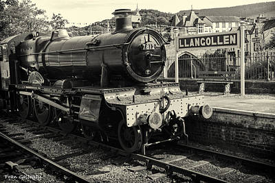 Photograph - Llangollen Railway by Fran Gallogly