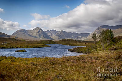 Photograph - Lochan Na H-achlaise by Bel Menpes