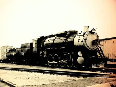 Photograph - Locomotive 1519 - Bw - Vintage 01 by Pamela Critchlow