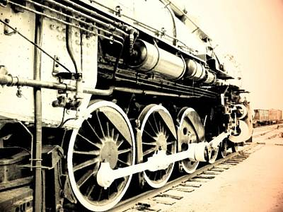 Photograph - Locomotive 1519 - Bw - Vintage 02 by Pamela Critchlow