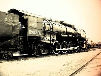 Photograph - Locomotive 1519 - Bw - Vintage 03 by Pamela Critchlow
