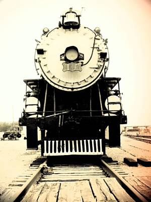 Photograph - Locomotive 1519 - Bw - Vintage 04 by Pamela Critchlow