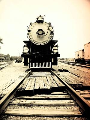 Photograph - Locomotive 1519 - Bw - Vintage 05 by Pamela Critchlow