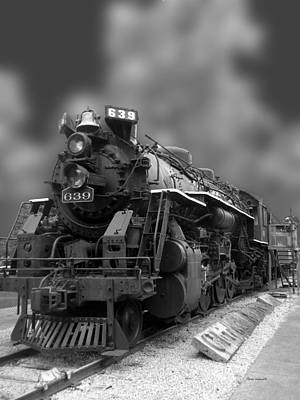 Locomotive 639 Type 2 8 2 Front And Side View Bw Art Print by Thomas Woolworth