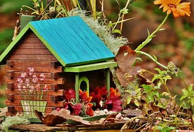 Painting - Log Cabin Birdhouse In Fall by VLee Watson