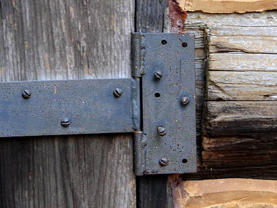 Photograph - Log Cabin Door Hinge by Lew Davis