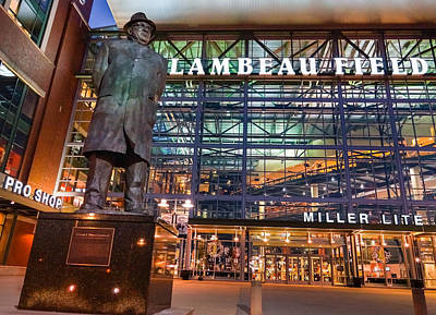 Lombardi At Lambeau Art Print by Bill Pevlor