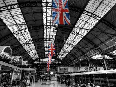 Photograph - London 054 by Lance Vaughn