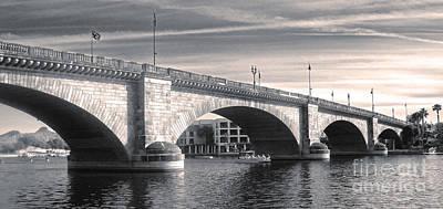 London Bridge Panorama Art Print by Gregory Dyer