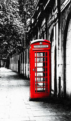 Photograph - London Calling - Red English Telephone Booth by Mark Tisdale