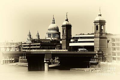 London Domes Art Print by John Rizzuto