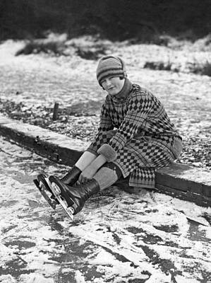 Photograph - London Ice Skating by Underwood Archives