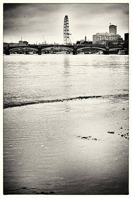 Photograph - London Sights At Low-tide 1 by Lenny Carter