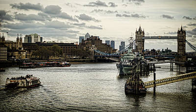 Photograph - London Thames Scape by Heather Applegate