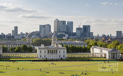 London View From Greenwich Art Print by Roberto Morgenthaler