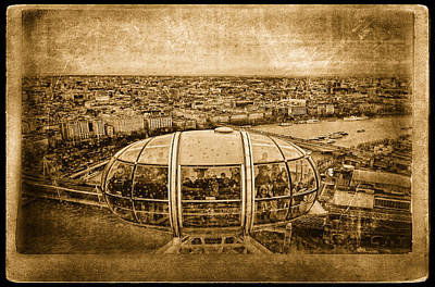 London View Art Print by Vessela Banzourkova