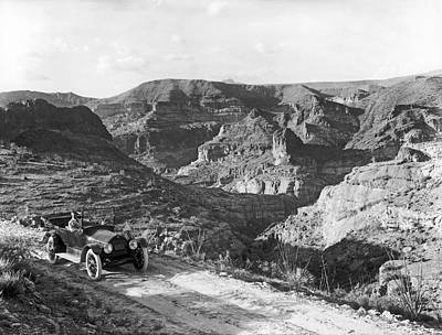 1916 Photograph - Lone Car In Fish Creek Canyon by Underwood Archives
