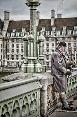 Bagpipes Wall Art - Photograph - Lone Piper by Heather Applegate