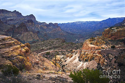 Long And Winding Apache Trail Art Print