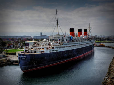 Photograph - Long Beach - The Queen Mary by Lance Vaughn