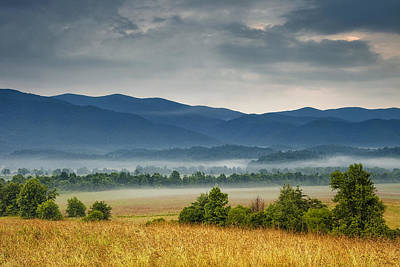 Cades Cove Photograph - Looking To The Mountains by Andrew Soundarajan