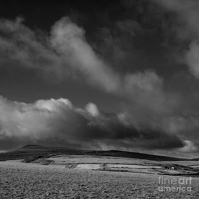 Photograph - Looking West by Paul Davenport