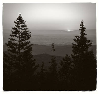 Photograph - Lookout Butte Sunset by Niels Nielsen