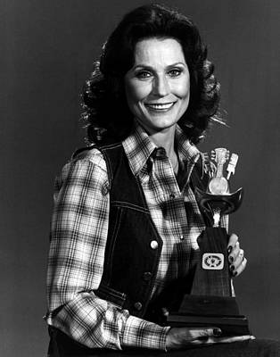 Old Miner Photograph - Loretta Lynn With Award by Retro Images Archive