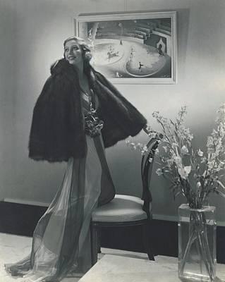 Loretta Young Wearing A Fur Cape Art Print
