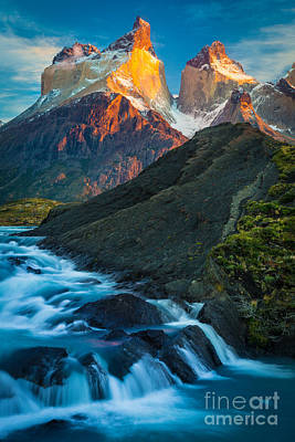 Patagonia Photograph - Los Cuernos Falls by Inge Johnsson