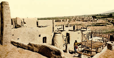 Indigenous Culture Photograph - Los Pueblos De Taos by Underwood Archives