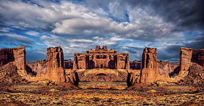 Arch Wall Art - Photograph - Lost City Of Gold by Ron Jones