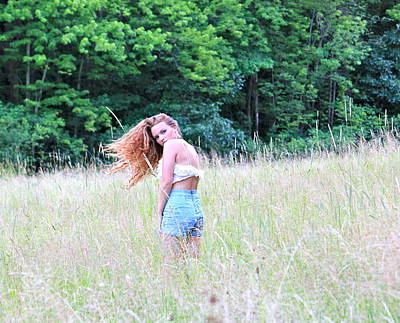 Photograph - Lost In A Feild by Amanda Just