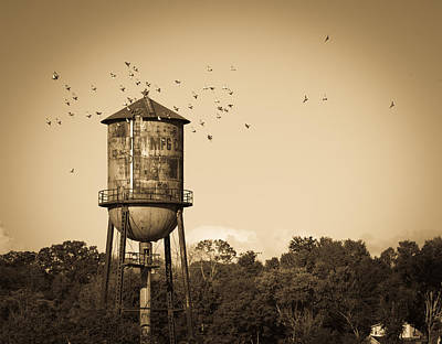 Loudon Water Tower Art Print by Melinda Fawver